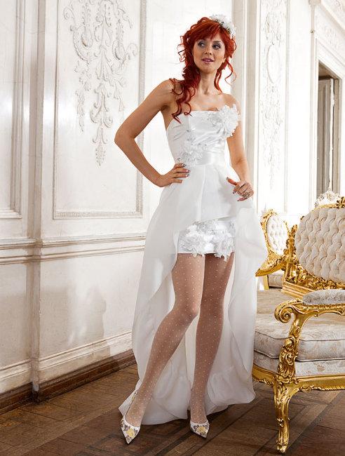 Невеста в колготках
